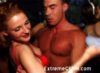 एक रात बाहर पर सेक्स कमी से जूझ लड़कियों