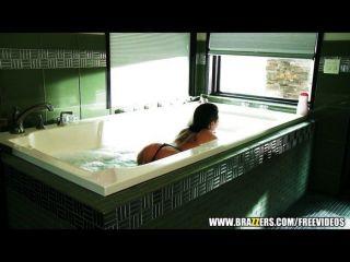 स्नान क्रिस्टी मैक गुदा प्यार करता है