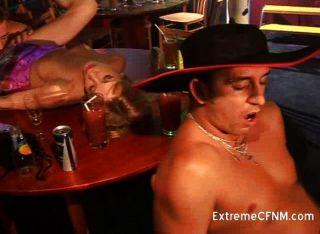 नंगा नाच पार्टी गर्लफ्रेंड