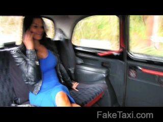 FakeTaxi - सेक्स की कमी से जूझ महिला को