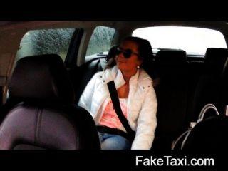 FakeTaxi - टैक्सी टैक्सी में गर्म 19 साल पुराने