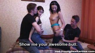 स्विंग किशोर जीवनानंद सेक्स चाहते हैं बनाता है