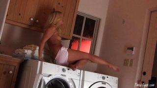 जना जोर्डन कपड़े धोने में मज़ा आ रहा है