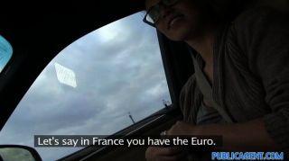 PublicAgent - फ्रेंच hitchiker आउटडोर fucks