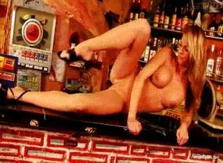 जीना बार 4 में नग्न