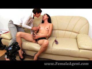 FemaleAgent - सभी के लिए गर्म एशियाई आनंद