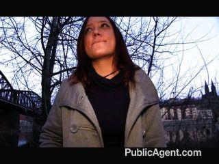 PublicAgent - श्यामला सेक्स के लिए भुगतान किया जाता है