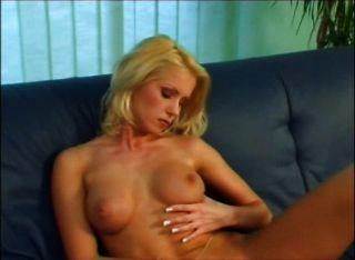 गोरा Masturbating 3