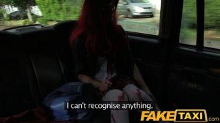 FakeTaxi - टैक्सी चेहरे में हैलोवीन ग्राहक