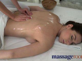 मालिश कमरे - भारी स्तन के साथ सौंदर्य