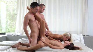 शरारत और जीना के साथ कट्टर समूह सेक्स