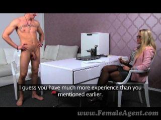 FemaleAgent - Milfs मुंह में संवर्धन cums