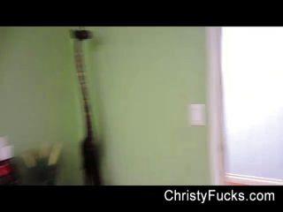 क्रिस्टी मैक के साथ पर्दे के पीछे मज़ा