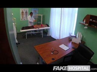 नकली अस्पताल - डॉक्टरों जादू मुर्गा