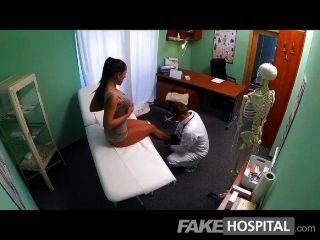 FakeHospital - गंदा milf सेक्स की दीवानी