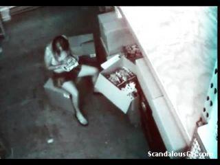 किंकी एकल कैमरे पर पकड़ा