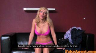 FakeAgent सेक्सी सुनहरे बालों वाली लड़की creampie लेता है