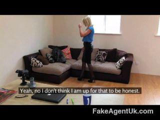 FakeAgentUK - हॉट ब्रिटिश लड़की
