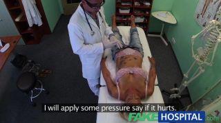 FakeHospital - डॉक्टर रोगियों बिल्ली जांच