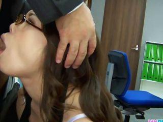 सेक्सी कार्यालय लड़की पर झुकने और गड़बड़ har