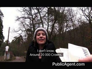 PublicAgent - आउटडोर सेक्स कैमरे पर फिल्माया
