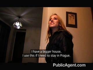 PublicAgent - गोरा शौकिया मॉडल अंडरवियर