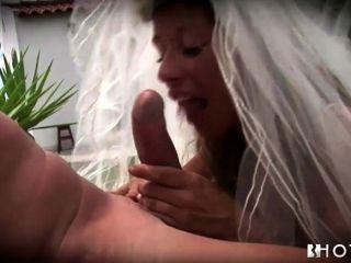 Hotgold उत्सुक है? दुल्हन शादी में टक्कर लगी है