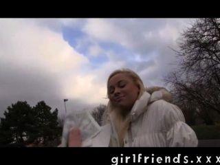 गर्लफ्रेंड - सीधे लड़की को लेने