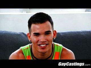 gaycastings - मेड छात्र कैम पर डॉक्टर निभाता है