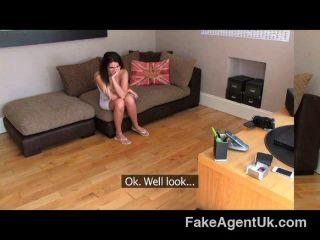 FakeAgentUK - लंडन के लिए Creampie कास्टिंग