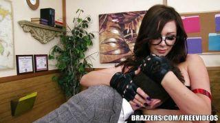 Brazzers - भाग्य Dixson एक गंदा लड़की है