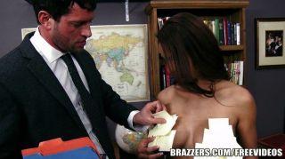 Brazzers - बड़े स्तन और पोस्ट नोटों