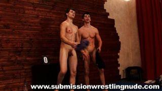 सबसे अच्छा नग्न पुरुष कुश्ती मैच