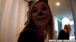 mofos- एडिसन एक गर्म बिल्ली बिल्ली है