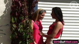 पश्चिम बाहर लड़कियों - गर्म ऑस्ट्रेलियाई समलैंगिक लड़कियों