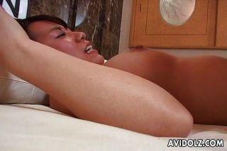 भारी स्तन अधिकतम करने के लिए किसी न किसी वेश्या