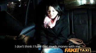 FakeTaxi युवा cabbie द्वारा गड़बड़ बेब