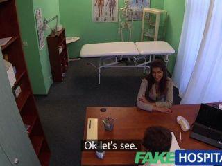 FakeHospital -stunning श्यामला डॉक्टर की जरूरत है