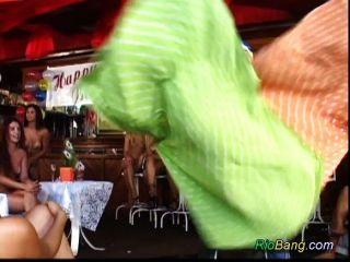 रियो गुदा पार्टी नंगा नाच