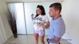 संचिका एंजेलीना कास्त्रो मुश्किल मुर्गा और सह लेता है!