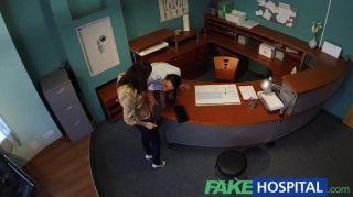 FakeHospital - नर्स seduces रोगी