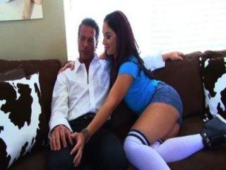 शीना और उसके कदम पिता