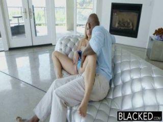 बड़ा काला मुर्गा पर बेहोश सही लेसी जॉनसन squirts