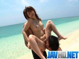एक एशियाई creampie आश्चर्य के साथ Mayuka आउटडोर बकवास