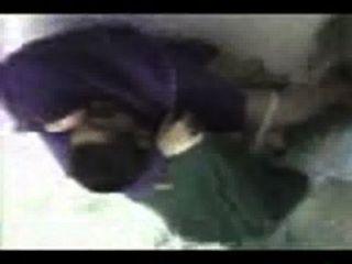 अरब लड़की हिजाब बकवास