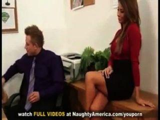 मैडिसन आइवी संचिका सचिव तैसा उसके मालिकों द्वारा गड़बड़ हो जाता है कार्यालय डेस्क पर बड़ा मुर्गा