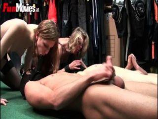 FunMovies दो जर्मन शौकिया पत्नी सवारी लोग चेहरे