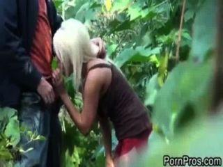 जैकी जोय जंगल में गड़बड़