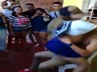 edecan jovencita Bailando untando सु culo