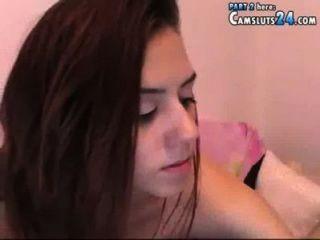 अद्भुत Krystyna pornowebcam में schoo के साथ निशान पर उत्साहित करना